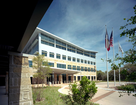 Amd S Lone Star Campus Tbg Partners Archdaily