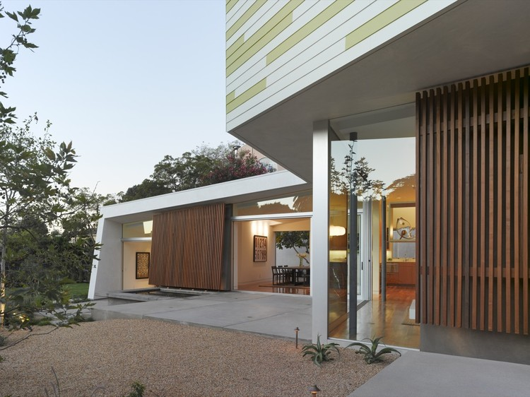 King Residence / John Friedman Alice Kimm Architects, © Benny Chan