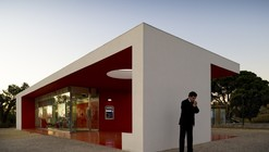 Santander-Totta University Bank Agency / LGLS Architects