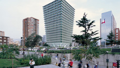 Cruz del Sur Building / Izquierdo Lehmann