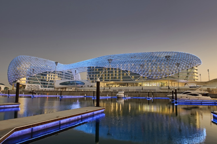 The yas hotel asymptote architecture archdaily for Architectural design companies in abu dhabi