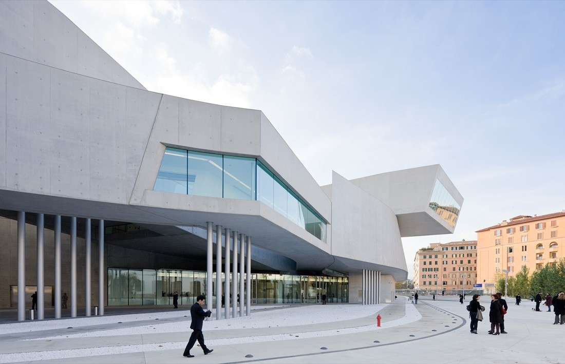 Maxxi museum zaha hadid architects archdaily for Architecture islamique moderne
