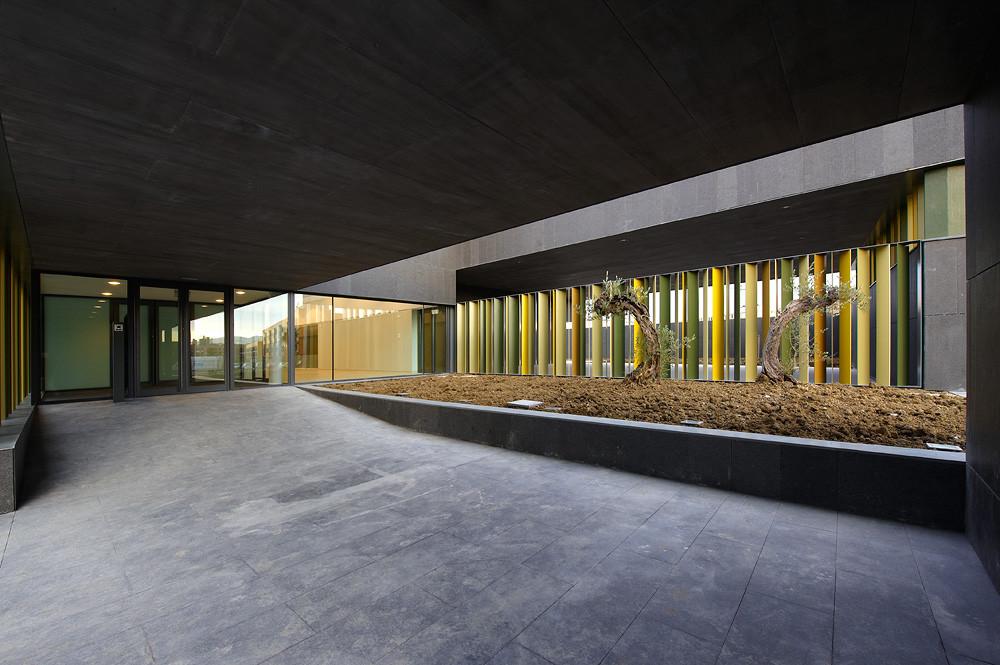 Gallery of nursery school in pamplona larraz arquitectos 8 - Arquitectos y decoradores de interiores ...