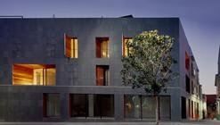 137 Housing / H Arquitectes