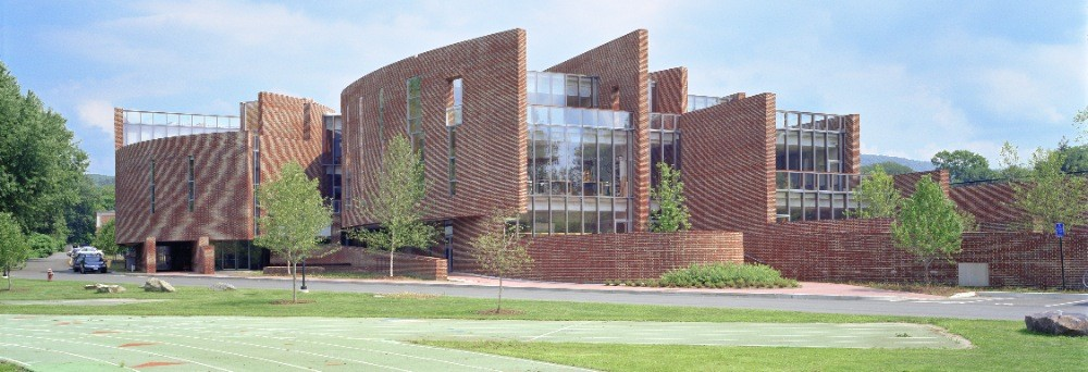 Koch Center for Science, Math & Technology at Deerfield Academy / Skidmore, Owings & Merrill, Courtesy of  som