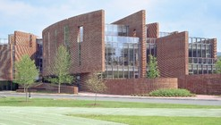 Koch Center for Science, Math & Technology at Deerfield Academy / SOM