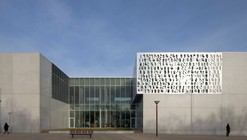 Fougères Biblioteque / Tétrarc Architects