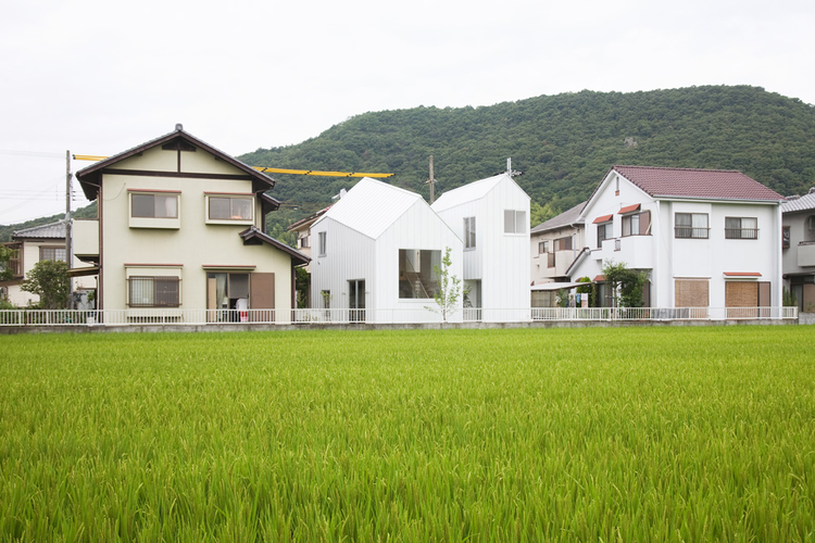 Double House / Architect Associates Tonoma, ©  Takumi Ota