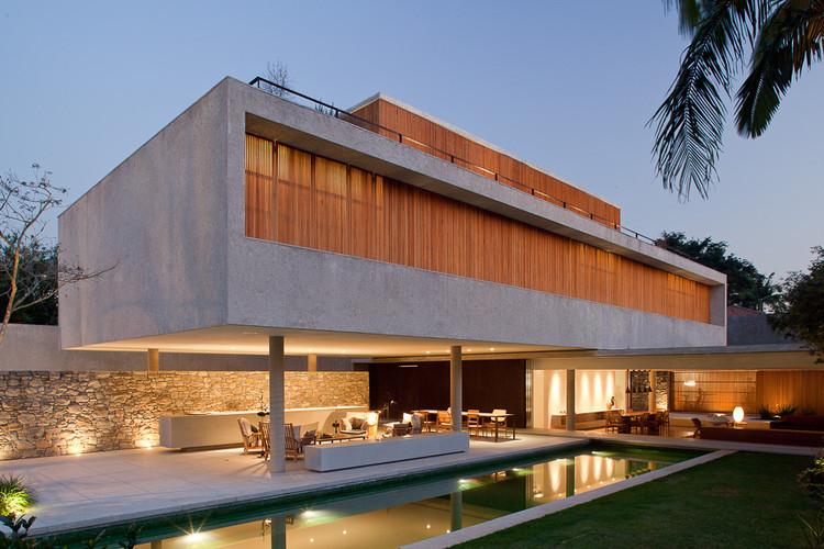 House 6 / Marcio Kogan, © Pedro Kok