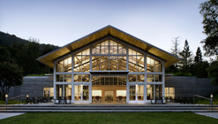 Branson School Student Commons / Turnbull Griffin Haesloop