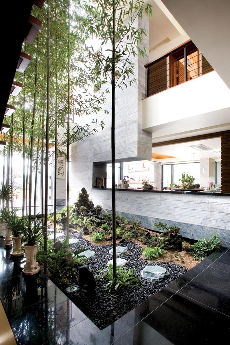 P House / HAHN Design, Courtesy of  hahn design + jeoseong e