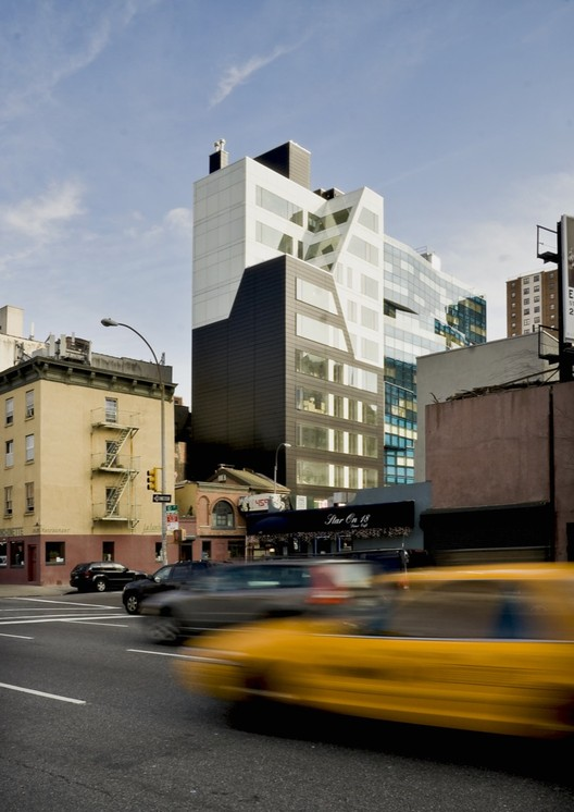 459 West 18th Street / Della Valle + Bernheimer, Courtesy of Della Valle + Bernheimer