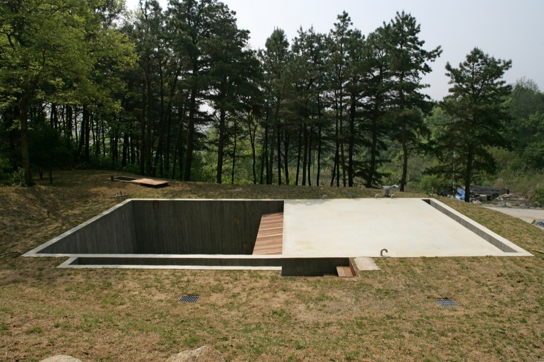 Houses Built Underground Earth House Bcho Architects Archdaily