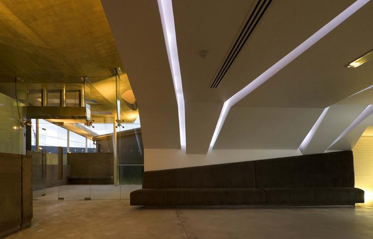 Bar de Sucos & Terraço Egan / Architecture 53seven, © Joseph Burns
