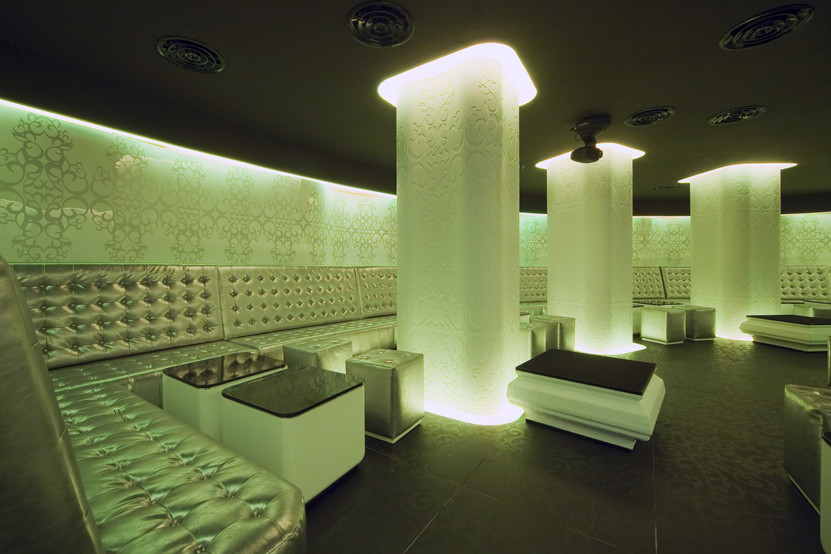 Gallery of Shade Club / SquareONE - 3