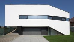 Dom Zlomu / Pauliny Hovorka Architekti