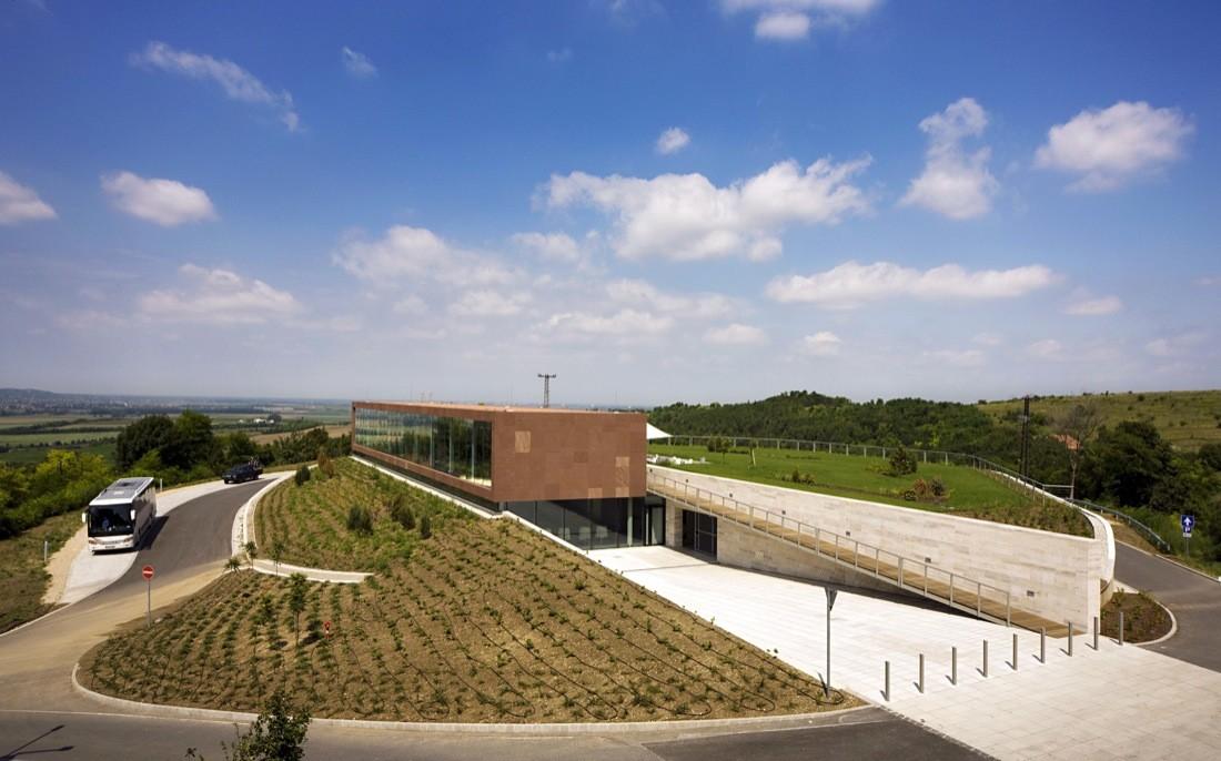 Pannonhalma Abdij Visitor Centre / Roeleveld Sikkes, © Tamás Bujnovszky