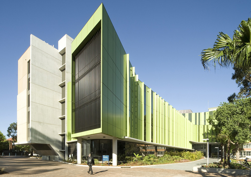 Lowy Cancer Research Centre / Lahznimmo Architects + Wilsons Architects, © Anthony Fretwell