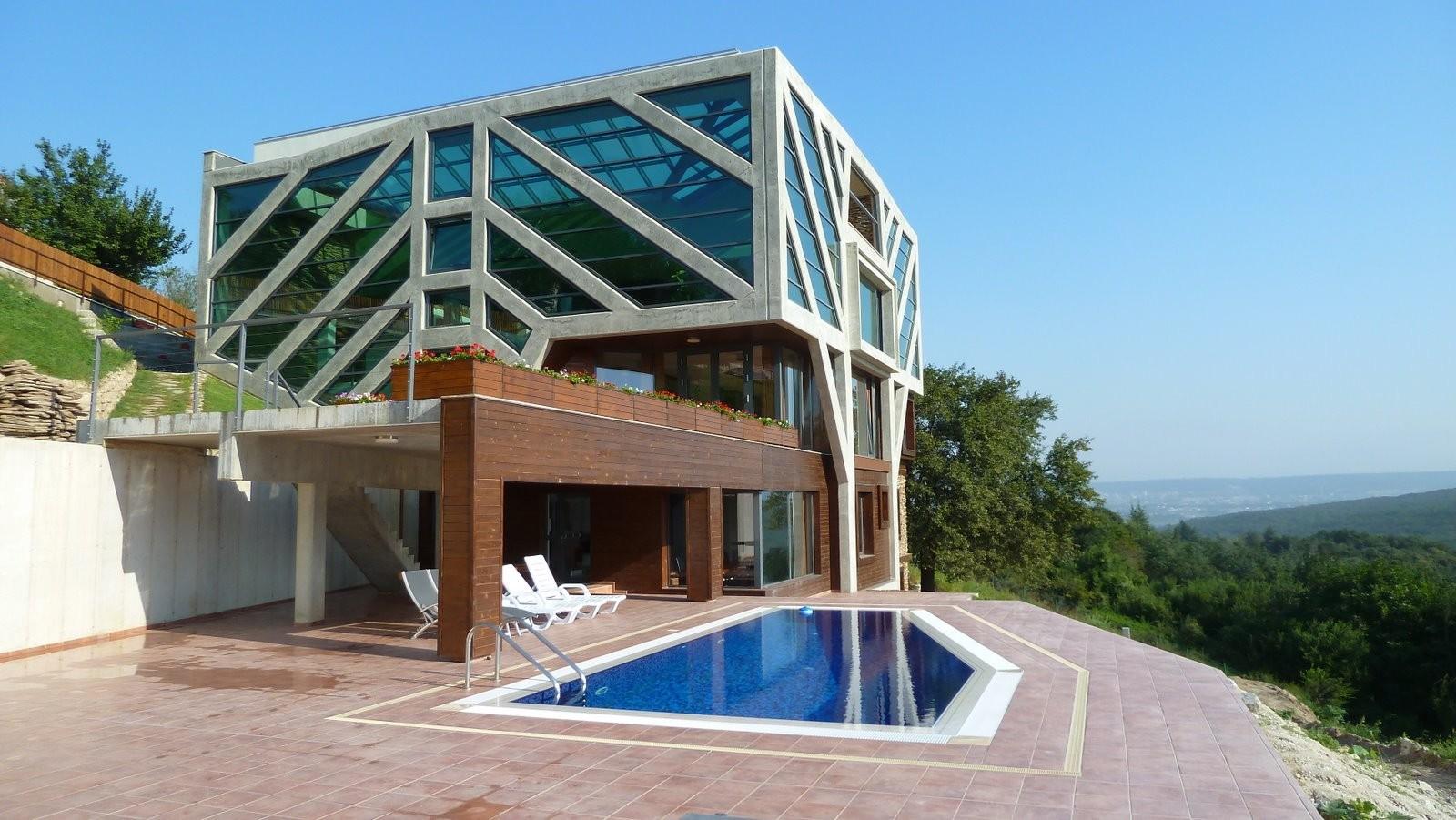 Large Home Tree / Ignatov Architects, Courtesy of  ignatov architects