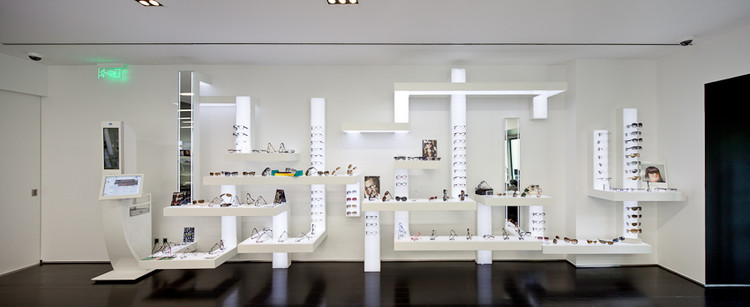 Optical Store in Lisbon / Jorge Sousa Santos, © Joao Morgado