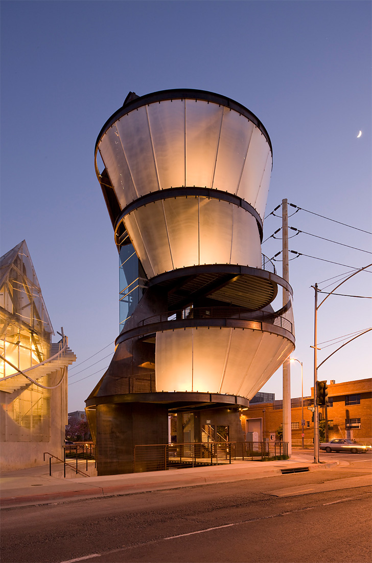 Gallery of samitaur tower eric owen moss architects 3 for Moss building design