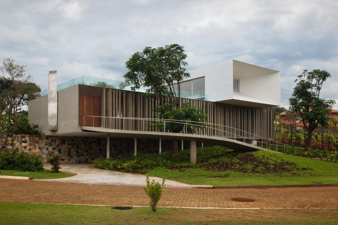 Piracicaba House / Isay Weinfeld, Courtesy of  isay weinfeld