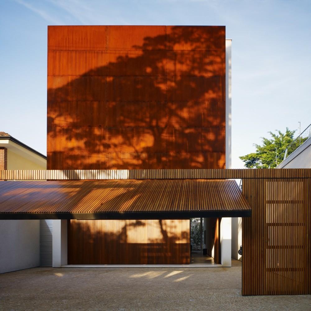 Corten House / Marcio Kogan, © Nelson Kon