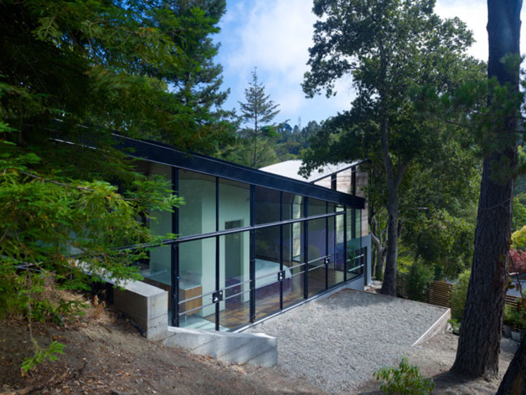 Hundred Foot House / Ogrydziak Prillinger Architects, Courtesy of OPA