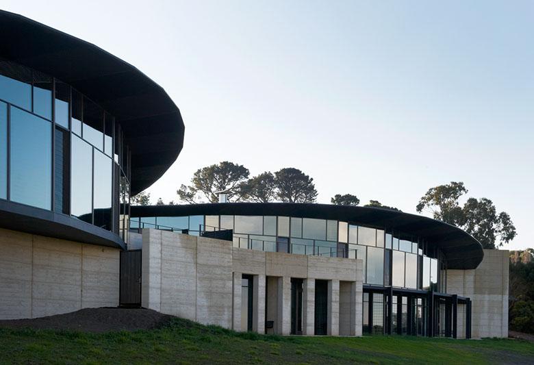 Port Phillip Estate Winery / Wood/Marsh, © Earl Carter