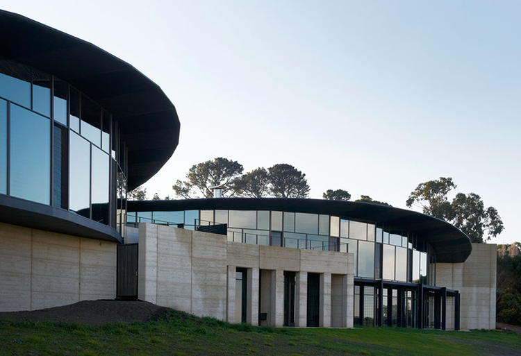 Port Phillip Estate Winery / Wood/Marsh, © Earl Carter