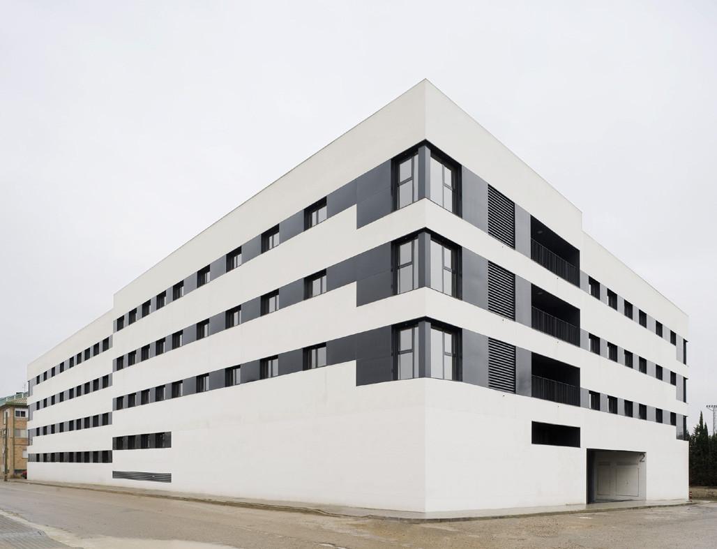 44 Social Housing / Magén Arquitectos, © Jesús Granada