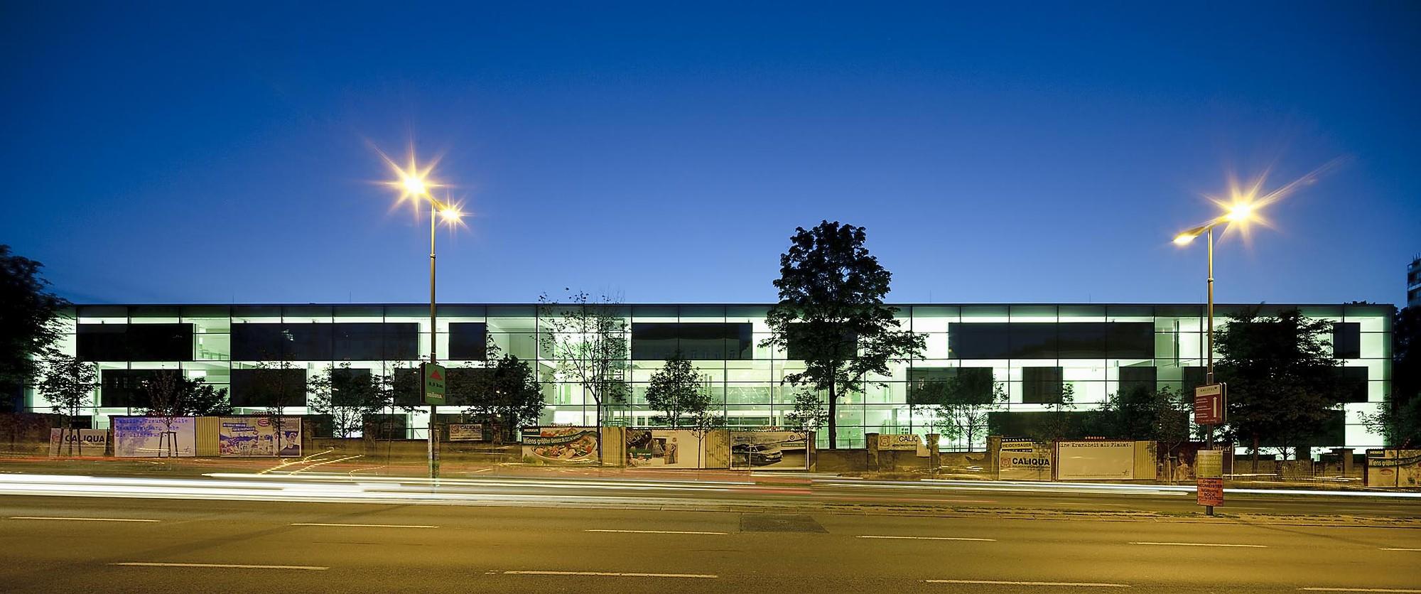 School of Nursing in the Kaiser Franz Joseph Hospital / lichtblau.wagner architekten, © Rupert Steiner