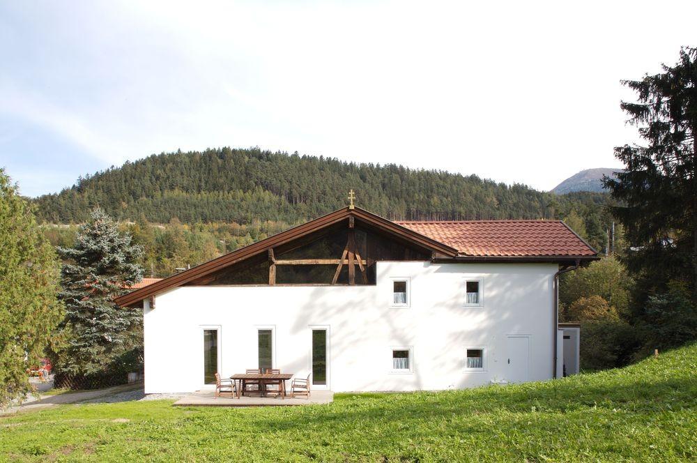 Chapel House / Martin Mutschlechner & Barbara Lanz, Courtesy of Günter Richard Wett