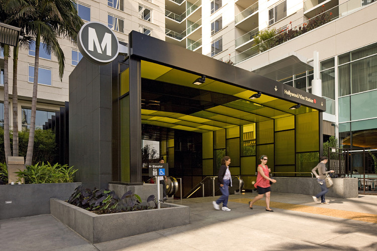 Hollywood and Vine Metro Portal and Plaza / Rios Clementi Hale Studios, © Tom Bonner