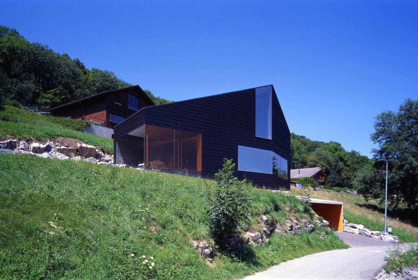 Martinho Les Neyres Residence / Bonnard Woeffray Architectes, © Hannes Henz