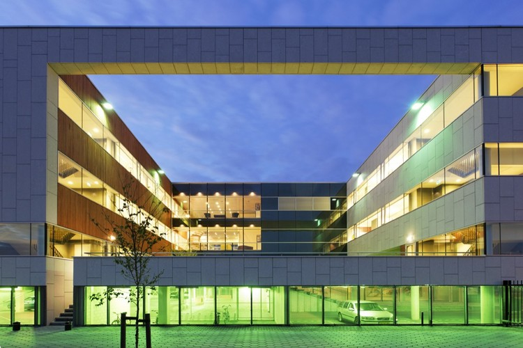 Simed Health Care Group / DHV architects, © René de Wit