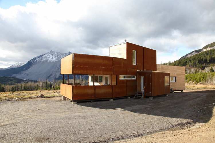 Crowsnest Modular Home / Challenger, © Lori Andrews