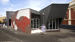 Sacred Heart Primary School Library / Suters Architects