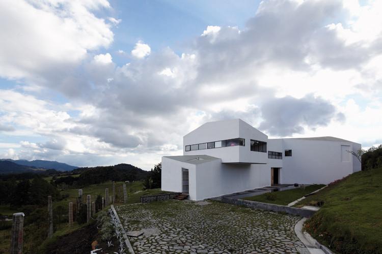 House on the Slope / Paisajes Emergentes, © Cristobal Palma