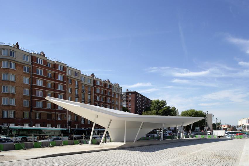 A Canopy and a Pavilion at Porte des Lilas / Matthieu Gelin & David Lafon, © Nicolas Waltefaugle