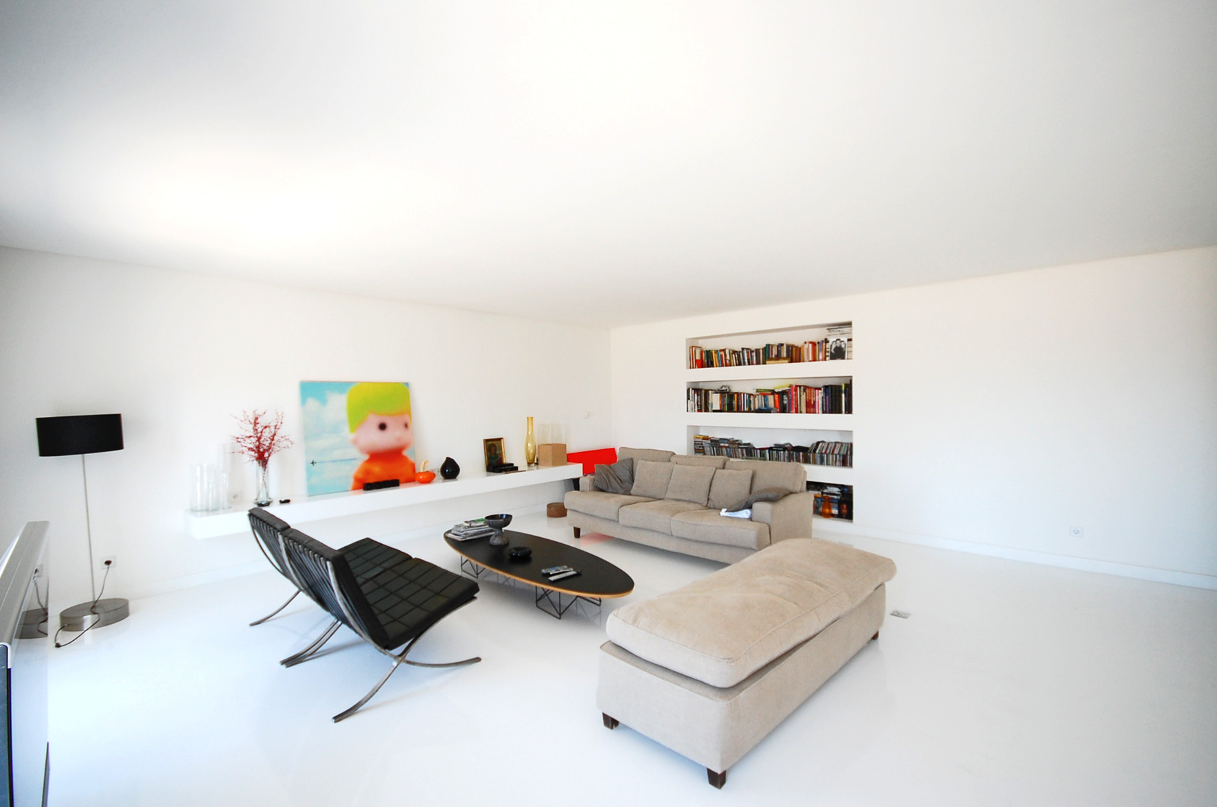 White Apartment abstract white apartment / filipe borges de macedo | archdaily
