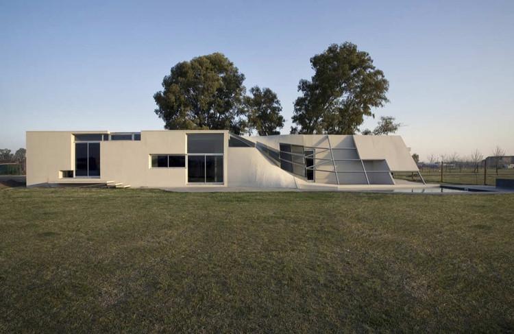 FyF Residence / P-A-T-T-E-R-N-S, Courtesy of  p-a-t-t-e-r-n-s