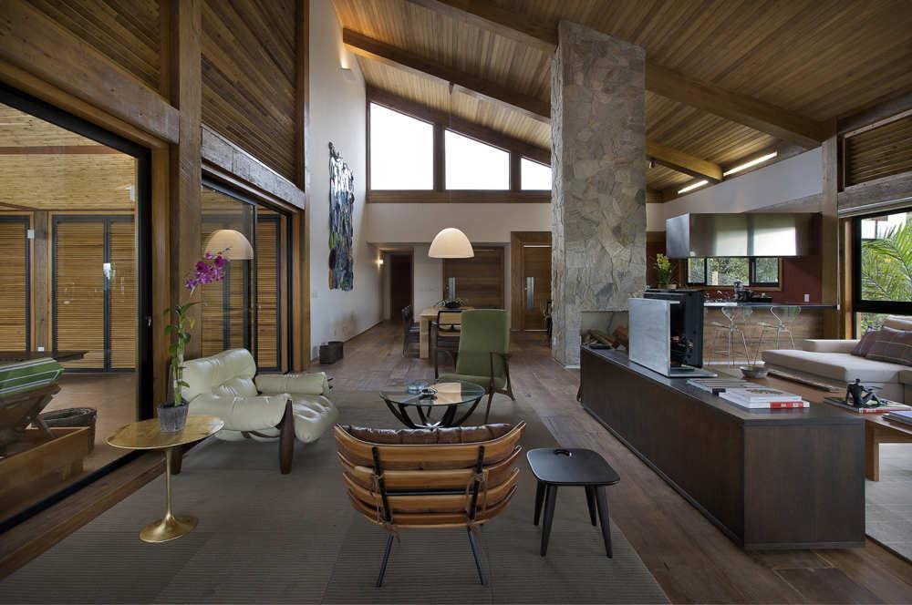 Mountain House / David Guerra