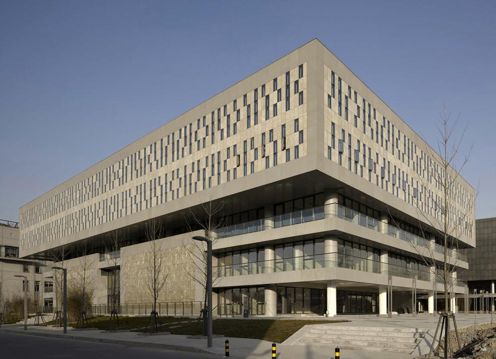 PKU University Of Law / Kokaistudios, © Charlie Xia
