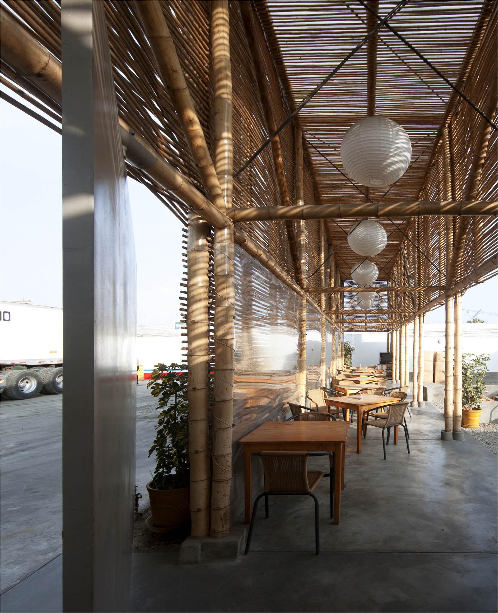 El Camion Restaurant / LLONA + ZAMORA Arquitectos + Fernando Mosquera, © Michelle Llona R