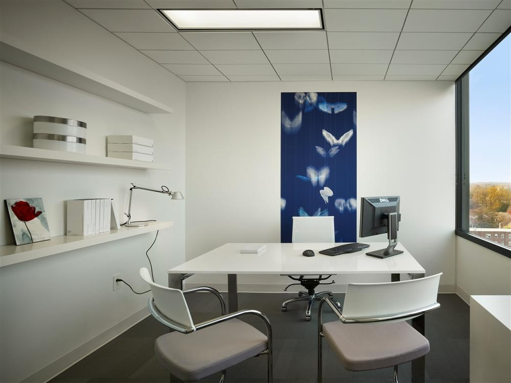 Gallery of implantlogyca dental office interiors antonio for Modern design consulting engineering office