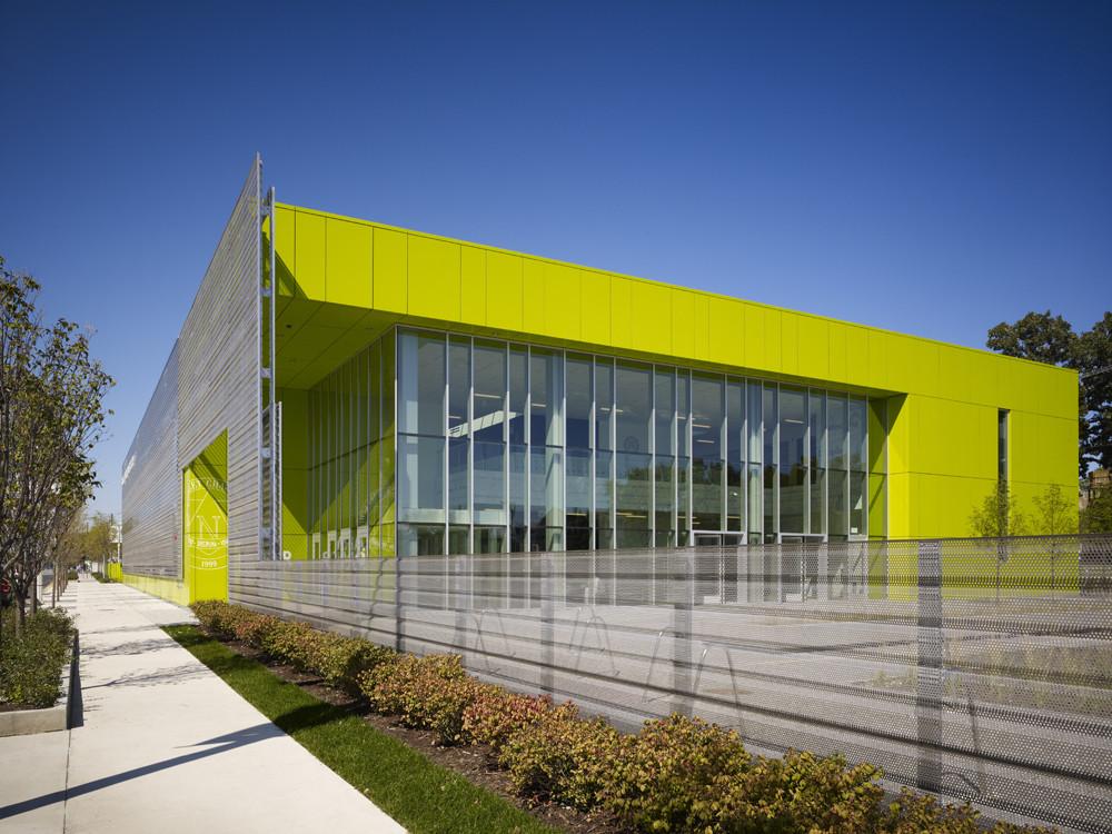 Gary Comer College Prep / John Ronan Architects, © Steve Hall