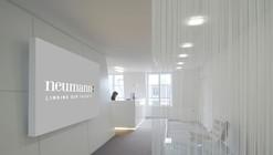 White & Shiny at the Champs Elysées / S.DREI Architektur