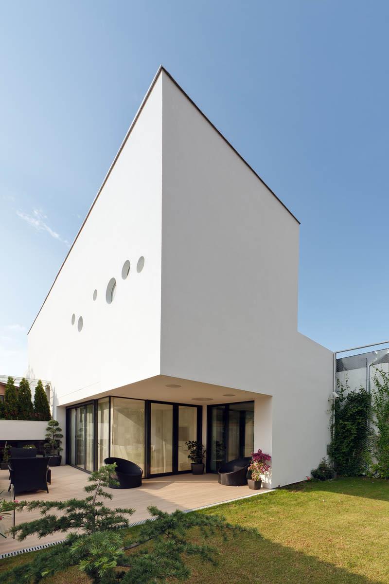 Vultureni House / TECON Architects, © Cosmin Dragomir