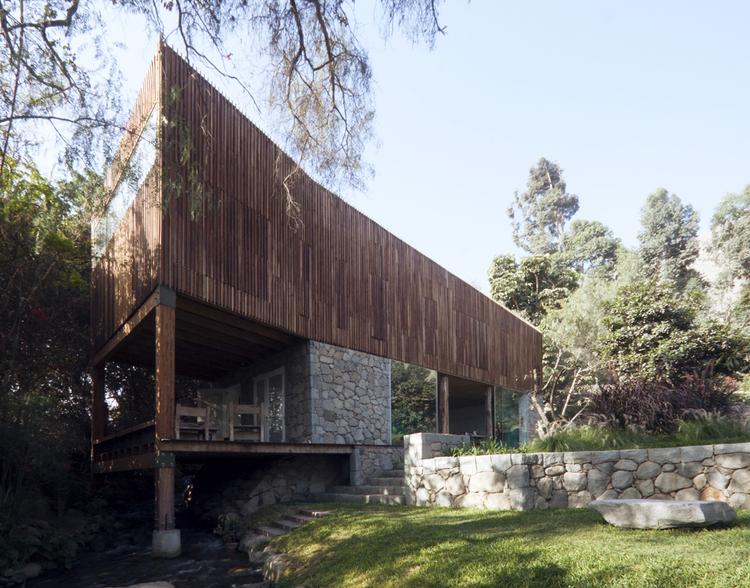 Country House in Santa Eulalia / René Poggione González, Susel Biondi Antúnez de Mayolo, © Michelle Llona R